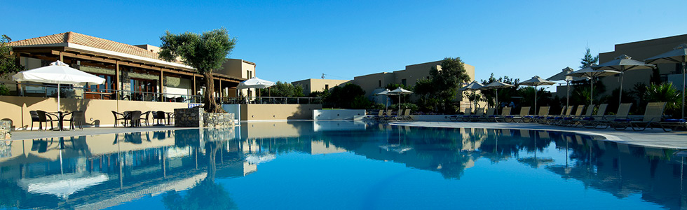 longstay_grekland_kreta_hersonissos_village-heights-pool-highres_sunbirdie-longstay-golfresor_980x300_top