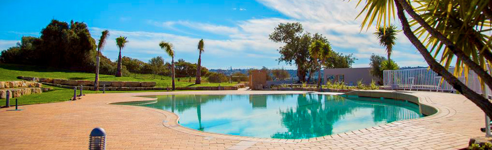 longstay-portugal-gramacho-residences_pool_sunbirdie-longstay-golf_top