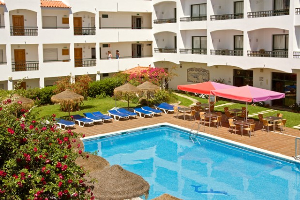 albufeira_pool_sunbirdie-longstay-golf_660