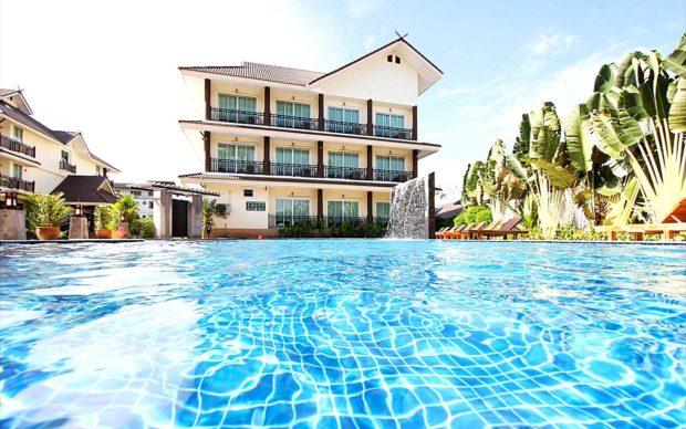 longstay_thailand_chiangrai_pool_dagtid_Diamond-Park-Inn-Resort_sunbirdie