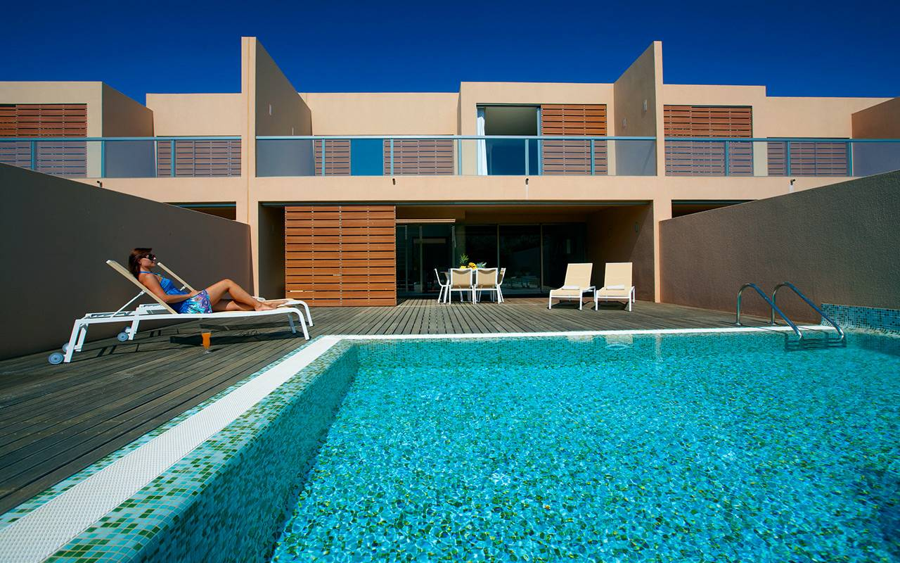 Pool i Salgados under Longstay Portugal Algarve | Sunbirdie